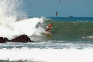Surfing na falach w Meksyku Funkite